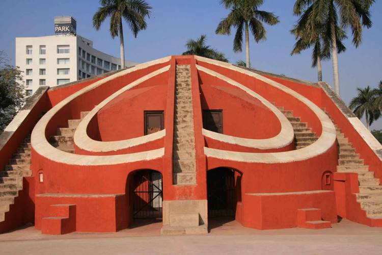 Jantar Mantar - Tourist Car Rental in Delhi