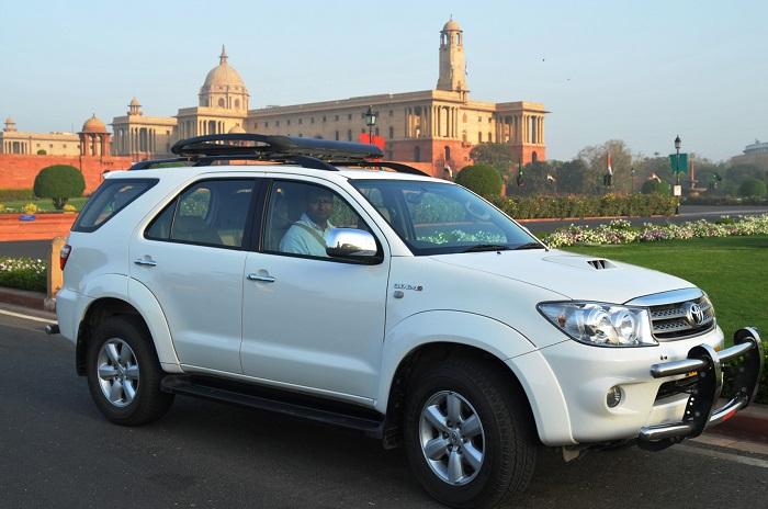 Tourist Car Hire in Delhi